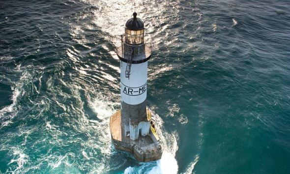 Ein spektakuläres Stück Bretagne: der Leuchtturm Ar-Men. (Foto Nicolas)