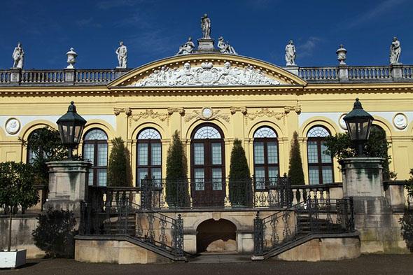 Auch Kassel mit der prächtigen Orangerie liegt am Fulda-Radweg.
