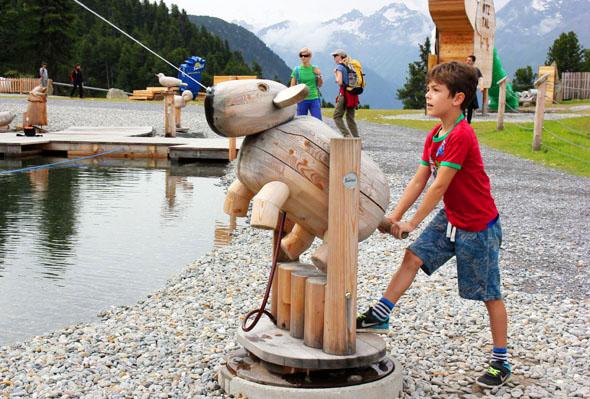 Spiel und Spaß mit allen Sinnen im Widiversum im Ötztal. (Foto Ulrike Katrin Peters)