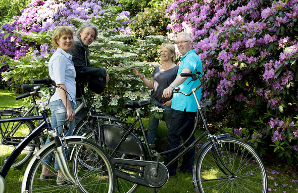 Die grünen Oasen des Ammerlandes sorgen nicht nur bei Radfahrern und Wanderern für Entspannung pur. (Foto: djd)