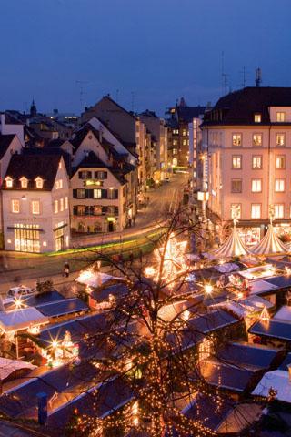 Die Stadt am Rhein entfaltet in der Adventszeit einen ganz besonderen Charme. (Foto: Christoph Gysin)