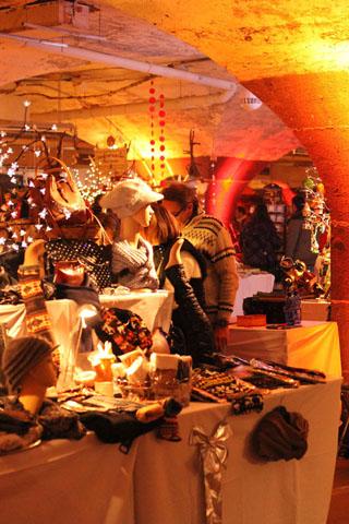 """Der """"Mosel-Wein-Nachts-Markt"""" findet unterirdisch in vier Weinkellern in Traben-Trarbach statt. (Foto: Markus Stölben)"""