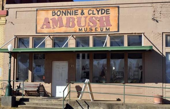 Gangster-Romantik a la Bonnie & Clyde lässt sich in Louisiana hautnahe erleben. (Foto Bonnie & Clyde Ambush Museum)