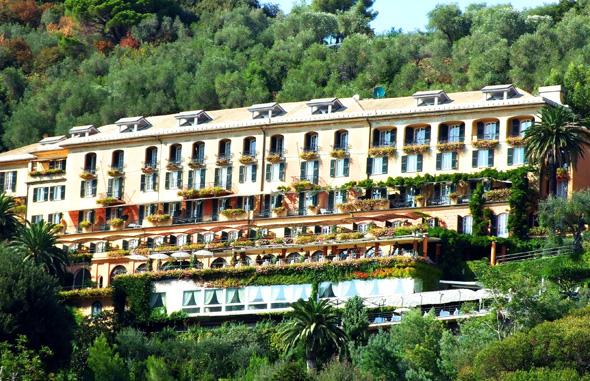 Das Splendido - Hotellegende über der Hafeneinfahrt von Portofino. (Foto Katharina Büttel)
