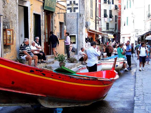Parkplätze gibt es in Vernazza scheinbar nur für Boote. (Foto Katharina Büttel)