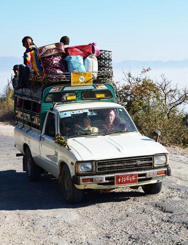 In einigen Ländern nehmen es Autofahrer mit der Sicherung der Ladung nicht so genau.