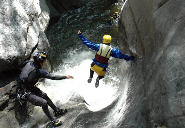Canyoning in der Chli Schliere ist nur etwas für Wagemutige. (Foto Outventure)