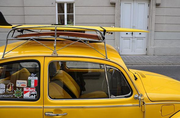 Sportgeräte sind besser auf dem Dachgepäckträger als im Fahrzeuginnenraum aufgehoben.
