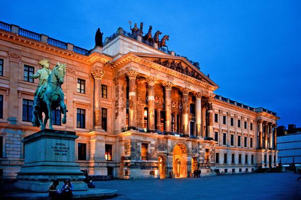 Herrschaftlich: das Residenzschloss von Braunschweig. (Foto: djd)