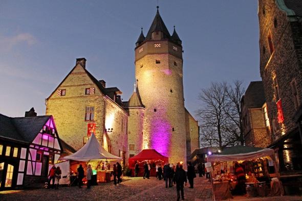 Die Burg Altena ist ein beliebtes Ausflugsziel zu jeder Jahreszeit - insbesondere auch in Herbst und Winter bei den traditionellen Festen. (Foto: Michelle Wolzenburg)