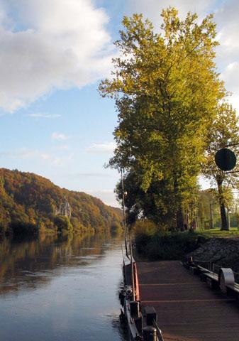 Bei Matting bringt eine sogenannte Gierseilfähre die Wanderer über die Donau. (Foto: Michael Körner)