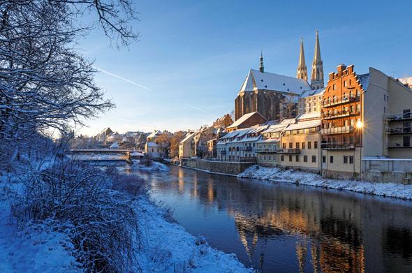 Bei einem Winterspaziergang in der deutsch-polnischen Stadt an der Neiße sollte man auf jeden Fall auch die Peterskirche besuchen. (Foto: N. Schmidt)