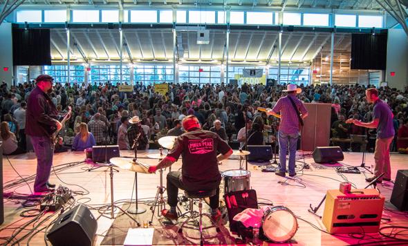 Viel Live-Musik ist Teil des Breckenridge Craft Spirits Festivals. (Foto Arthur Balluff)