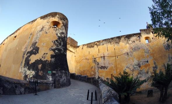 Weit mehr als 400 Jahre alt und Wahrzeichen von Mombasa: das Fort Jesus.