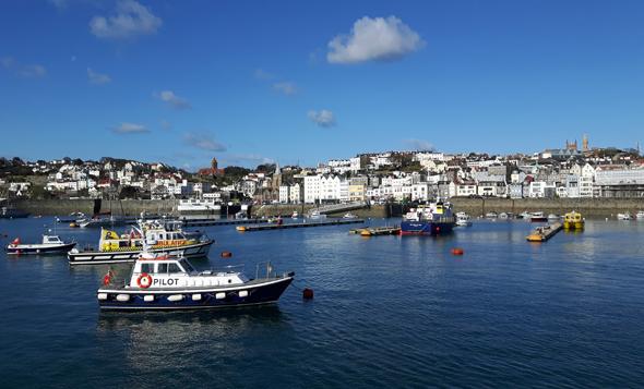 Am Hafen von St. Peter Port auf Guernsey pflegte Victor Hugo gerne in den Abendstunden zu flanieren. (Foto Karsten-Thilo Raab)