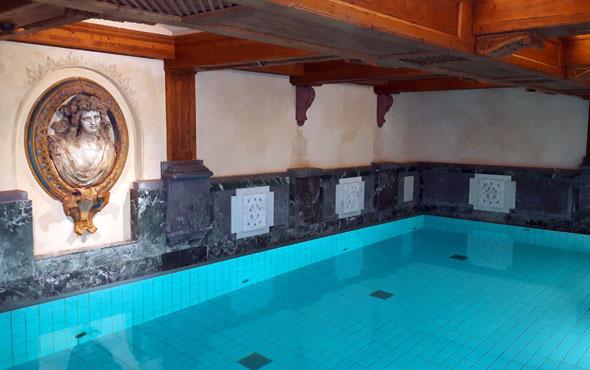 Zum Hallenbad gehört auch ein Whirlpool und direkt angrenzend findet sich der Saunabereich. (Foto Karsten-Thilo Raab)