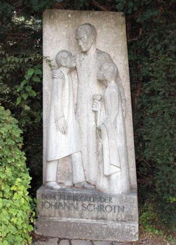 Johann Schoth wurde im wahrsten Sinne des Wortes sogar ein Denkmal gesetzt. (Foto Karsten-Thilo Raab)