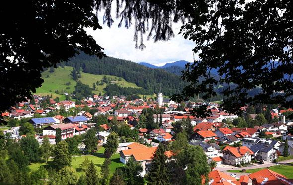Rund um Oberstaufen laden nicht weniger als 300 Kilometer ausgewiesener Wege zu Wanderungen ein. (Foto Karsten-Thilo Raab)