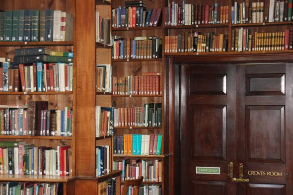 Einer der Lieblingsorte von Hugo auf Guernsey: die Priaulx Library. (Foto Karsten-Thilo Raab)