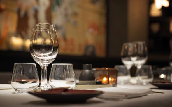 Die Gastronomie in Berlin bietet die gesamte kulinarische Bandbreite vom Schnellimbiss bis hin zur franzöischen Spitzenküche wie im Le Faubourg. (Foto Sofitel)