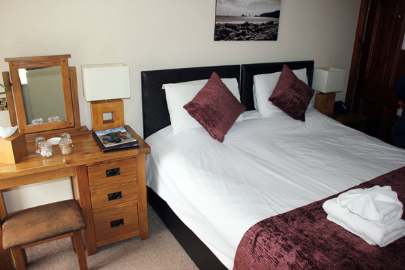 Ein typisches Zimmer im Stocks Hotel auf der Kanalinsel Sark. (Foto Karsten-Thilo Raab)