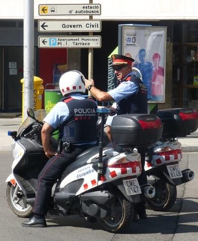 Die Polizei ist im Ausland schnell dabei, wenn es darum geht Knöllchen zu verteilen.