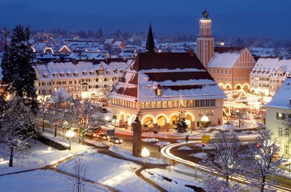 Gerade in der Vorweihnachstzeit zeigt sich der Schwarzwald - wie hier in Freudenstadt - von seiner schönsten und stimmungsvollsten Seite.
