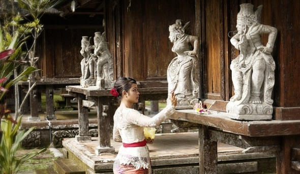 Teil der Bali-Faszination macht auch der Besuch der Tempel aus.