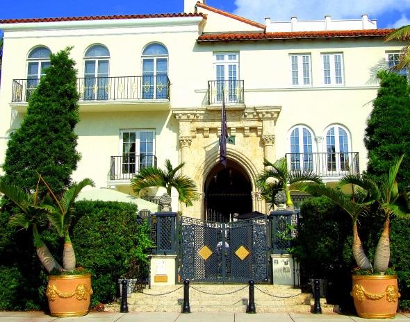 Modezar Gianni Versace residierte und starb hier - am Ocean Drive. (Foto Katharina Büttel)