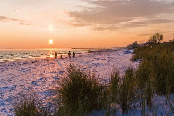 Wenn der Sommertrubel nachgelassen hat und der Strand nicht mehr mit Badefreuden lockt, beginnt die ruhige Zeit an der Ostsee. (Foto: Jörg Modrow)