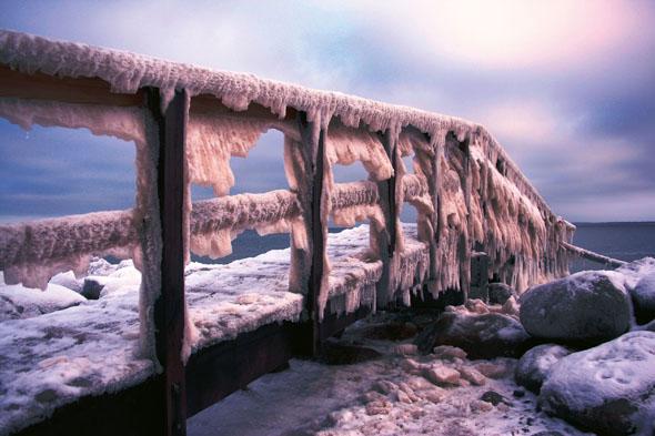 In richtig kalten Wintern verwandelt sich die Küste in eine frostige Schneelandschaft. (Foto: djd)