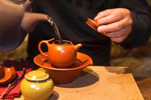 Die traditionelle Teezeromonie ist Teil des taiwanesischen Lebensgefühls. (Fotos Taiwan Tourismus)