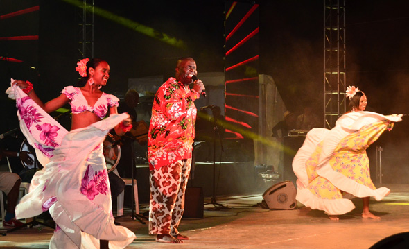 Musik und Tanz sind ein wichtiger Bestandteil des Festivals.