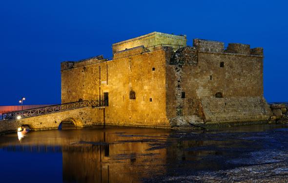 Das mittelalterliche Fort direkt am Hafen ist das Wahrzeichen von Páfos. (Foto F. Cappellari)