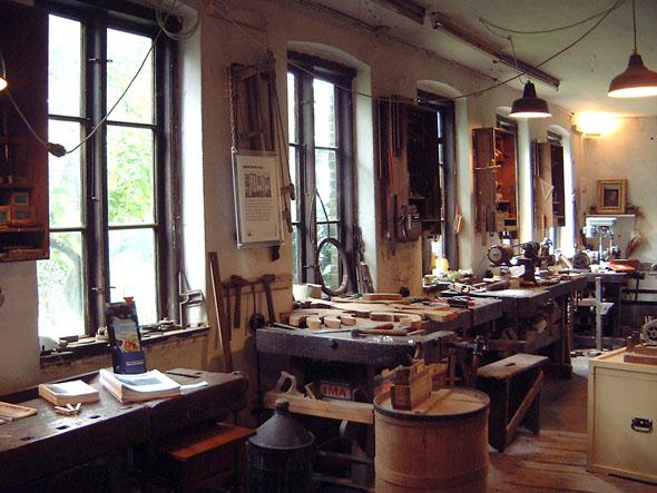 Zahllose Werkzeuge finden sich in dem schmucken Tischlereimuseum. (Foto Touristinformation Friedrichstadt)