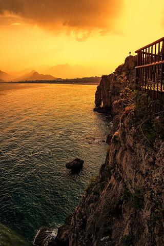 Bekannt ist die Türkische Riviera vor allem für ihre beeindruckende Küste wie hier bei Antalya.