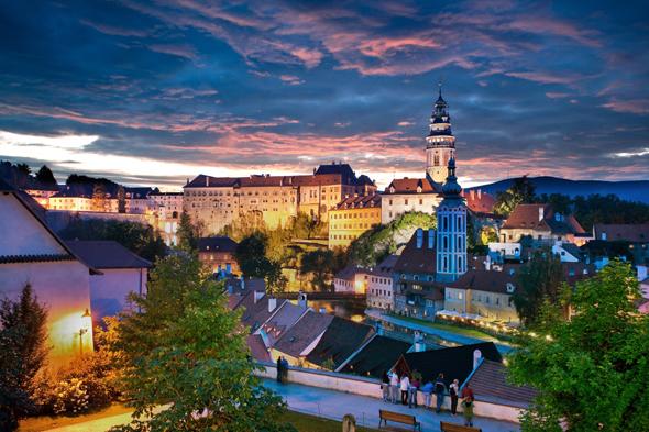 Nicht nur bei Sonnenuntergang ein famoser Anblick: das Schloss in Český Krumlov. (Foto Ales Motejli)