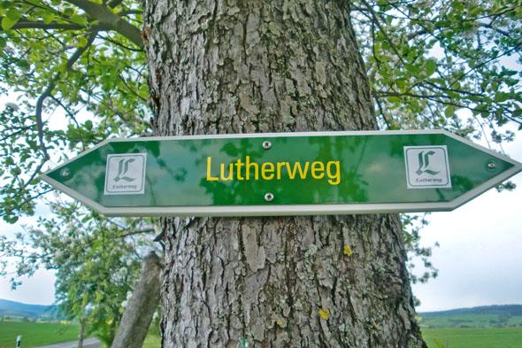 Der über tausend Kilometer lange Lutherweg verbindet Wirkungsstätten Luthers und für die Reformation wichtige Orte mit abwechslungsreichen Landschaften. (Foto: djd)