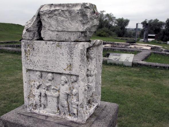 Reste des Römerkastell Abusina Eining - zu entdecken auf dem Donau-Panoramaweg. (Foto Michael Körner)
