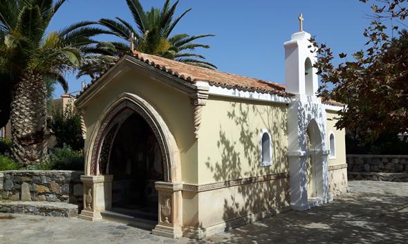 Auf dem Areal des Aquila Rithymna Beach befindet sich auch eine charmante kleine Kapelle. (Foto Karsten-Thilo Raab)