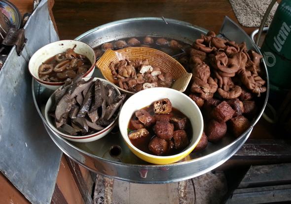 Alle Speisen im Home-Restaurant Suchin Ead werden frisch zubereitet. (Foto Karsten-Thilo Raab)