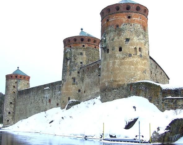 Burg Olavinlinna in Savonlinna. (Foto Katharina Büttel)