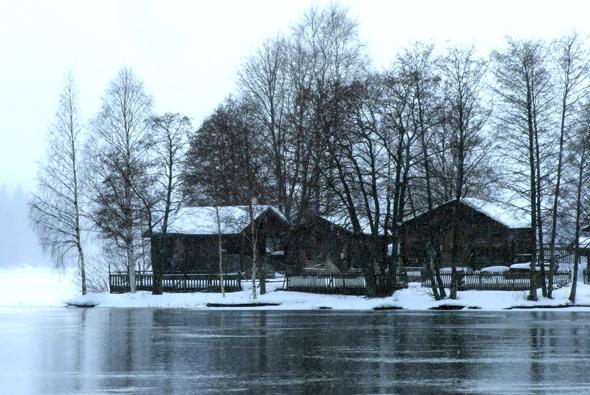 Selbst bei grauem Himmel wunderschön: Die Welt der Seen in der Saimma-Region in Mittelfinnland. (Foto Katharina Büttel)