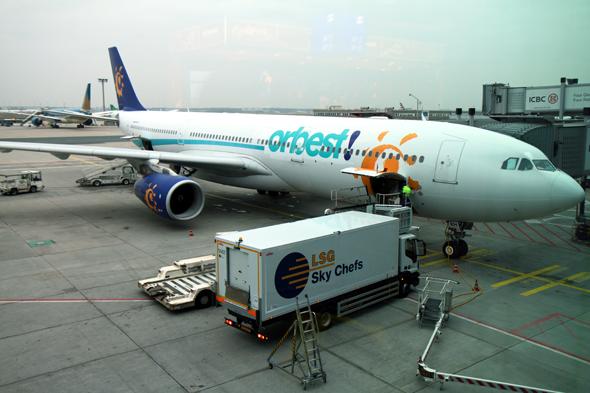 Die Ersatzmaschine hebt pünktlich ab - aber mit Umweg via Madrid nach Cancun. (Foto Karsten-Thilo Raab)