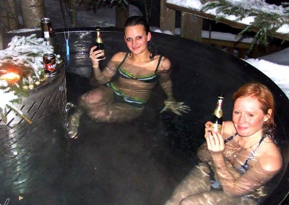 Im heißen Outdoor-Pool ein schmeckt ein cooler Drink noch besser. (Foto Katharina Büttel)