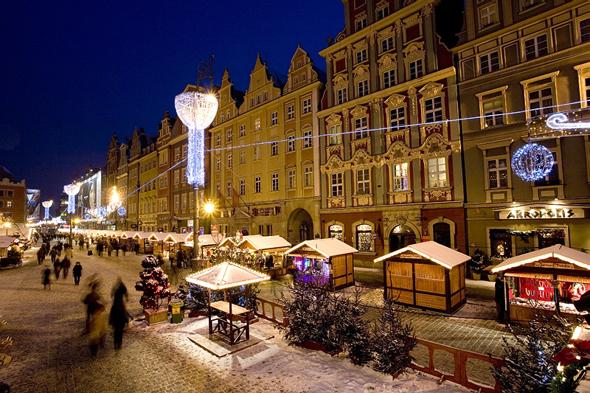 Auch die Kulturhauptstadt Breslau wartet mit weihnachtlichem Budenzauber auf. (Foto Krzysztof Szymoniak)