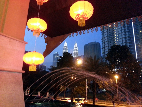 Blick vom Royale Chulan auf die Petronas Twin Towers. (Foto Karstem-Thilo Raab)
