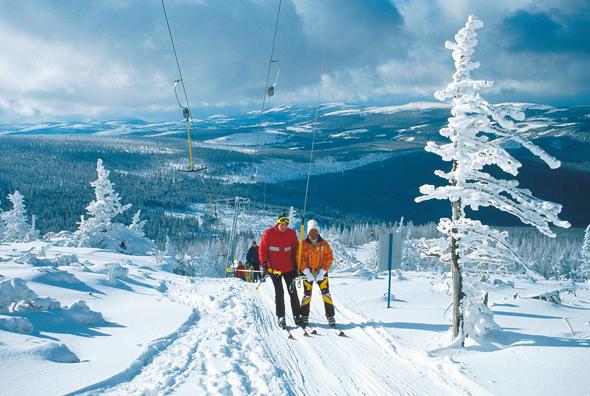 Ein absolutes Wintermärchen: die Skiarena Szrenica (Foto: Polnisches Fremdenverkehrsamt)