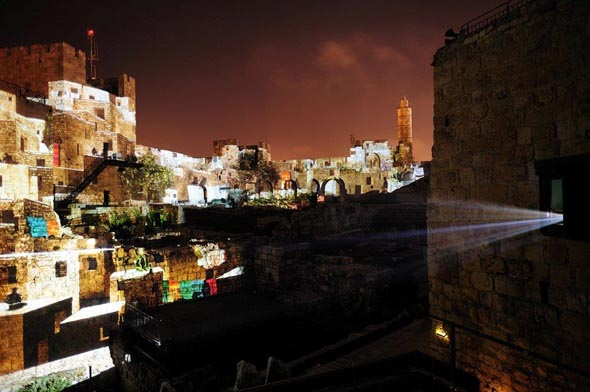 Ein abendliches Lichtspektakel ist Teil des Hamshushalayim in Jerusalem. (Foto Naftali Hilger)