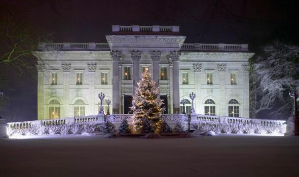 Weihnachtlich dekoriertes Herrenhaus in Newport (Foto John Corbett)